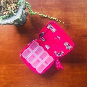Vera Bradley • Travel Pill Container